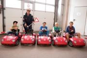 Porsche Kids Driving School unterstützt durch Polizeiinspektionskommandant Hrn. Naderer