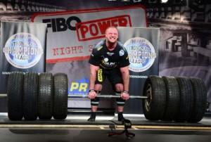 Stark wie ein PK Kran – Die Athleten der FIBO Strongmen ClassX
