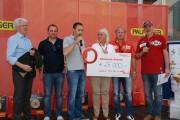 Spendenübergabe durch Hubert und Hannes Palfinger