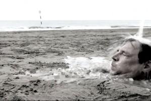 Hannes Roither stellt sich in seinem Urlaub der Ice Bucket Challenge!