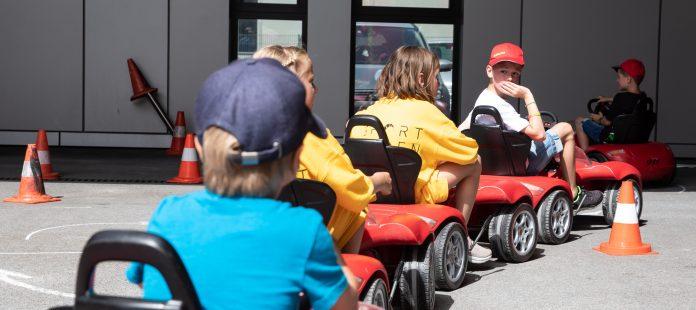 Sportwagenausfahrt 2019 – den Kindern wurde ein Lachen ins Gesicht gezaubert